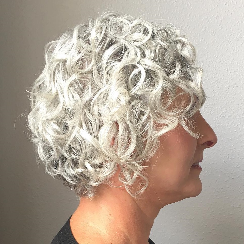 Medium Thick Curled Hair with Highlights Overweight women over 40