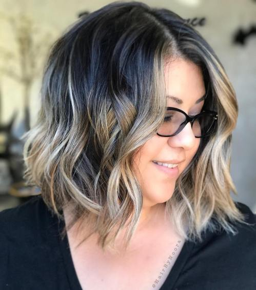 Plus-Size Wavy Hairstyle Women Over 40